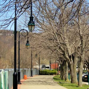 Press Image One-of-Many-Beautiful-scenic-Walkways-in-Parlor-City